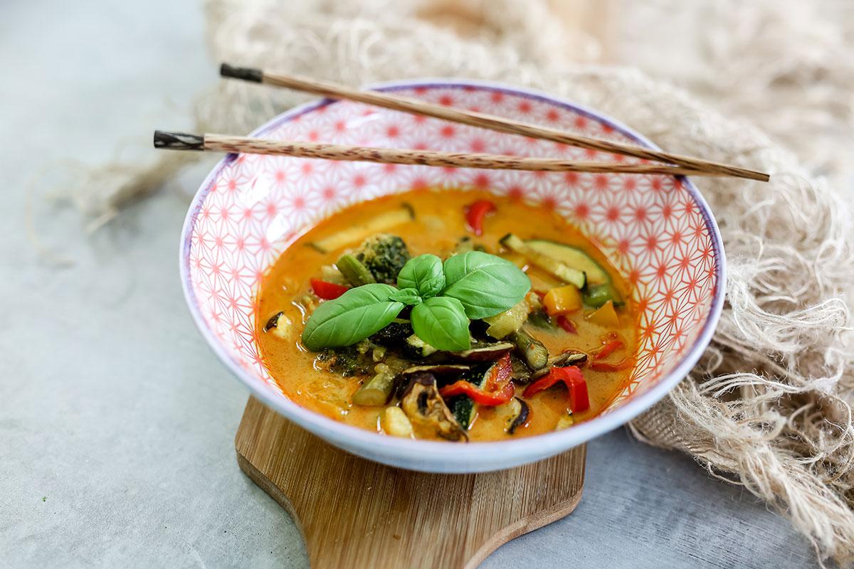 Gelbes Curry Mit Ofengemüse (scharf)